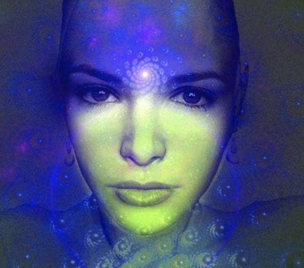mysticalwomanwithswirloverthirdeye
